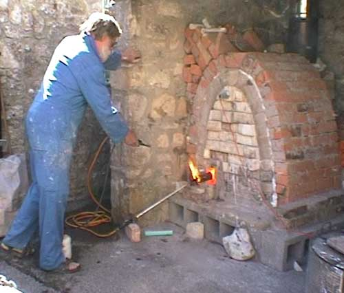 Upwey Potters Fil Cooke Soda Kiln Firing